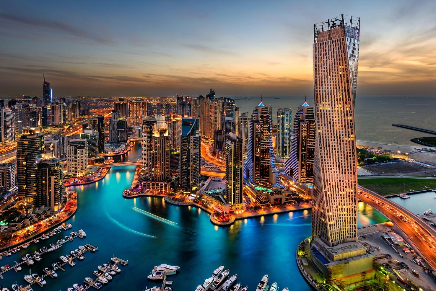 دبي تفاجئ العالم بغابة مطيرة وشاطئ بلا رمال (صور) 21-01-16-539801673.j